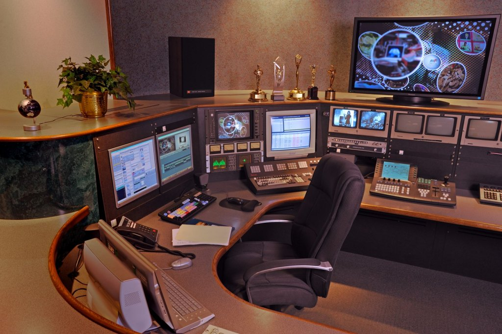 Non-linear editing system